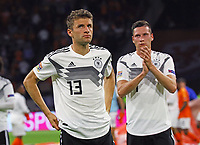 Thomas Mueller (Deutschland Germany) und Julian Draxler (Deutschland, Germany) frustriert nach der 0:3 Niederlage - 13.10.2018: Niederlande vs. Deutschland, 3. Spieltag UEFA Nations League, Johann Cruijff Arena Amsterdam, DISCLAIMER: DFB regulations prohibit any use of photographs as image sequences and/or quasi-video.