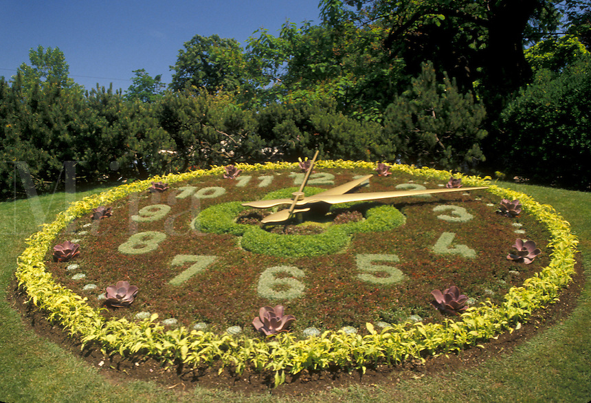 AJ2138, floral clock, Geneva, Switzerland, Europe, Unique Floral Clock with moving parts in a park in Geneva.