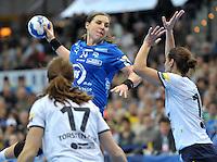 Handball Frauen Champions League 2013/14 - Handballclub Leipzig (HCL) gegen RK Krim Ljubljana am 13.10.2013 in Leipzig (Sachsen). <br /> IM BILD: Karolina Kudlacz (HCL) beim Wurf <br /> Foto: Christian Nitsche / aif