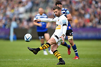 Willie Le Roux of Wasps puts boot to ball. Gallagher Premiership match, between Bath Rugby and Wasps on May 5, 2019 at the Recreation Ground in Bath, England. Photo by: Patrick Khachfe / Onside Images
