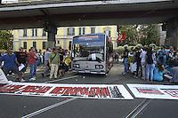 Roma, 25 Maggio 2012.Sede Atac di Via Prenestina.Manifestazione contro l'aumento del biglietto scattato oggi..La biglietteria atac mobile entra nel deposito