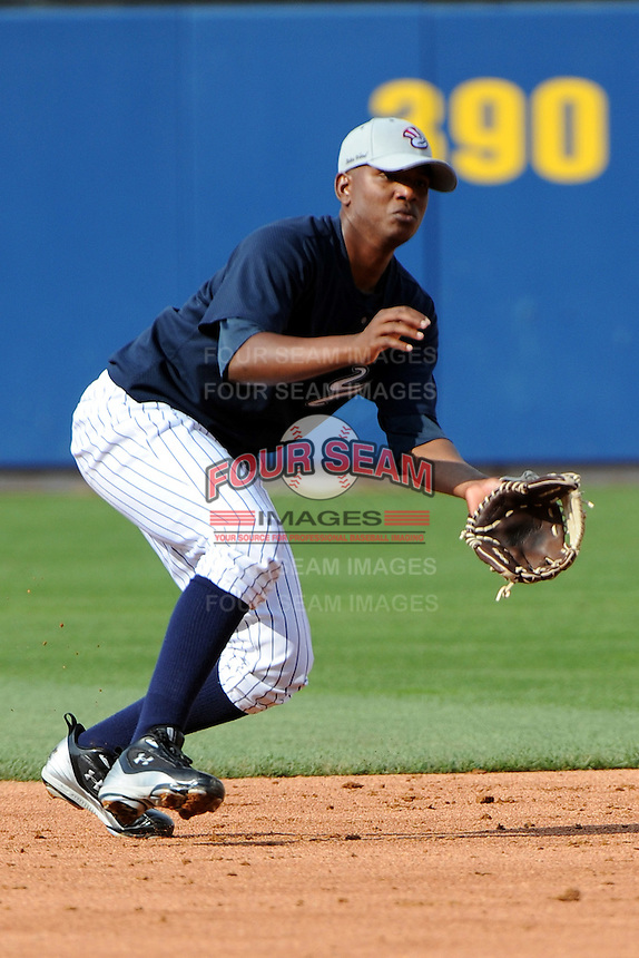 Staten Island Yankees infielder Jose Mojica (11) during first team workout at Richmond County Bank Ballpark at St. George in Staten Island, NY June 15, 2010.  Photo By Tomasso DeRosa/ Four Seam Images