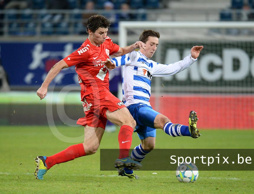 AA Gent - KV Kortrijk : duel tussen Stijn De Smet (links) en Brecht Dejaegere (rechts)<br /> foto VDB / Bart Vandenbroucke