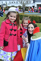 REPRO FREE: EASTER SUNDAY EGG HINT TRALEE:.Lauren and Aibhe O'Connor from Ballymac, Tralee pictured with Snow White at the Cadbury Easter Egg Hunt in the Ballygarry House Hotel & Spa in Tralee on Easter Sunday..Picture by Don MacMonagle