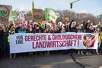 Mehrere zehntausend Menschen demonstrierten am Samstag den 19. Januar 2019 in Berlin unter dem Motto &bdquo;Wir haben es statt!&ldquo; fuer eine Wende in der Agrarpolitik. Sie forderten eine Abkehr von der Subventionierung der industriellen Landwirtschaft, hin zu einer Unterstuetzung der kleinen Betriebe. &quot;Schluss mit den Steuermilliarden an die Agrarindustrie!&quot; und &quot;Subventionen nur noch fuer umwelt- und klimaschonende Landwirtschaft! Oeffentliche Gelder nur noch fuer artgerechte Tierhaltung!&quot;.<br /> An dem Demonstrationszug nahmen Bauern mit 141 Traktoren teil.<br /> <br /> 19.1.2019, Berlin<br /> Copyright: Christian-Ditsch.de<br /> [Inhaltsveraendernde Manipulation des Fotos nur nach ausdruecklicher Genehmigung des Fotografen. Vereinbarungen ueber Abtretung von Persoenlichkeitsrechten/Model Release der abgebildeten Person/Personen liegen nicht vor. NO MODEL RELEASE! Nur fuer Redaktionelle Zwecke. Don't publish without copyright Christian-Ditsch.de, Veroeffentlichung nur mit Fotografennennung, sowie gegen Honorar, MwSt. und Beleg. Konto: I N G - D i B a, IBAN DE58500105175400192269, BIC INGDDEFFXXX, Kontakt: post@christian-ditsch.de<br /> Bei der Bearbeitung der Dateiinformationen darf die Urheberkennzeichnung in den EXIF- und  IPTC-Daten nicht entfernt werden, diese sind in digitalen Medien nach &sect;95c UrhG rechtlich geschuetzt. Der Urhebervermerk wird gemaess &sect;13 UrhG verlangt.]
