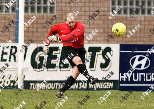 2010-03-21 / Voetbal / seizoen 2009-2010 / Wijnegem - Katelijne / Jan Vercammen..Foto: Mpics