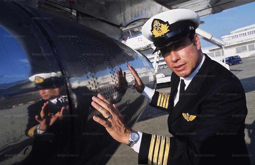 john travolta jumbo jet