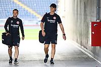 Athletiktrainer Klaus Luisser (Eintracht Frankfurt) kommt zum Training - 22.08.2017: Eintracht Frankfurt Training, Commerzbank Arena