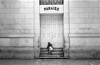 Cuba, Havana.<br /> Le strade di Habana Vieja.<br /> Cuba, Havana.<br /> Old man in the streets of Habana Vieja.