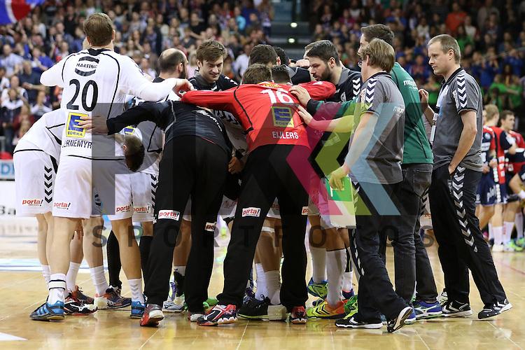 Flensburg, 05.04.2015, Sport, Handball, DKB Handball Bundesliga, Saison 2014/2015, GWD Minden - SG Flensburg-Handewitt :<br /> <br /> Foto &copy; P-I-X.org *** Foto ist honorarpflichtig! *** Auf Anfrage in hoeherer Qualitaet/Aufloesung. Belegexemplar erbeten. Veroeffentlichung ausschliesslich fuer journalistisch-publizistische Zwecke. For editorial use only.