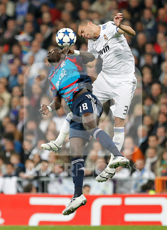 Madrid (16/03/2011).- Estadio Santiago Bernabeu..UEFA Champion League..Real Madrid 3 - Olympique Lyonnais 0.Gomis, Pepe...©Alex Cid-Fuentes/ALFAQUI...