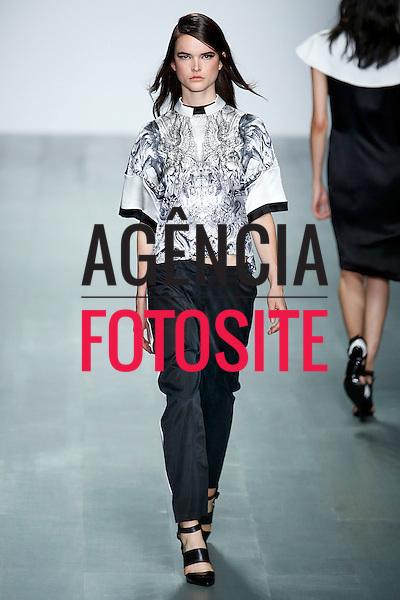 Londres, Inglaterra &sbquo;09/2014 - Desfile de jean Pierre Braganza durante a Semana de moda de Londres  -  Verao 2015. <br /> <br /> Foto: FOTOSITE