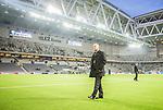 Stockholm 2015-05-25 Fotboll Allsvenskan Djurg&aring;rdens IF - AIK :  <br /> AIK:s ordf&ouml;rande Johan Segui ute p&aring; planen p&aring; Tele2 Arena fi samband med ett br&aring;k efter matchen mellan Djurg&aring;rdens IF och AIK <br /> (Foto: Kenta J&ouml;nsson) Nyckelord:  Fotboll Allsvenskan Djurg&aring;rden DIF Tele2 Arena AIK Gnaget supporter fans publik supporters slagsm&aring;l br&aring;k fight fajt gruff