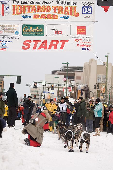 Jeff King Anchorage Start Iditarod 2008.