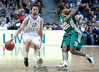 Real Madrid's Sergio Llull (l) and Zalgiris Kaunas' Oliver Lafayette during Euroleague 2012/2013 match.January 11,2013. (ALTERPHOTOS/Acero) /NortePhoto