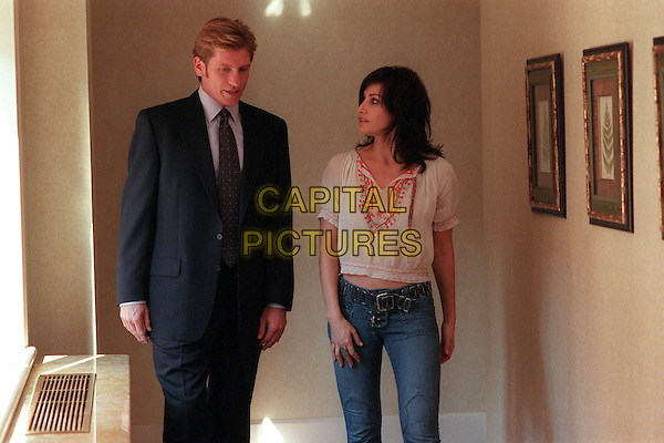 "DENIS LEARY & GINA GERSHON.in The Job.""Gina/Parents/Boss"".Filmstill - Editorial Use Only.Ref: FB.www.capitalpictures.com.sales@capitalpictures.com.Supplied By Capital Pictures."