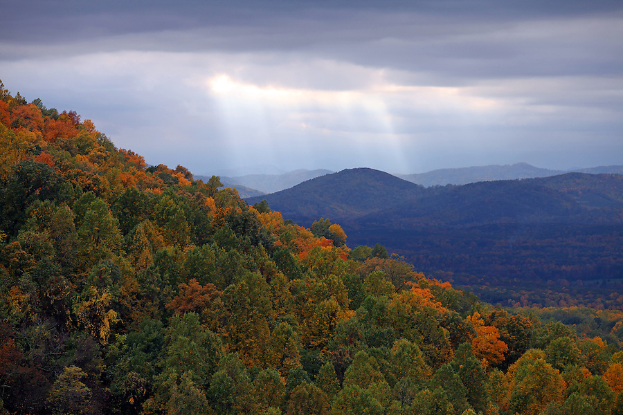 The Blue Ridge mountains scenic views from Carters Mountain in Charlottesville, Va.