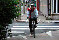 SÃO PAULO, 13 de JUNHO, 2012 - CLIMA TEMPO - Amanhecer na capital paulista mostram temperatura de 17° na região do Bom Retiro, nessa quarta-feira, 13 - FOTO LOLA OLIVEIRA - BRAZIL PHOTO PRESS