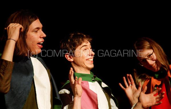 """School theatre Thespikon playing """"De Stuitbare Opkomst van Arturo Ui"""" from Bertolt Brecht directed by Stijn Devillé (Belgium, 04/03/1998)"""