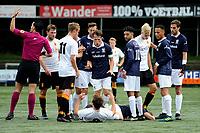 HAREN , Voetbal,  Be Quick - Quick, Derde Divisie zondag seizoen 2017-2018, 17-09-2017, Kai van Hese geeft Thoas careman een duw in het tumult