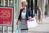 Austin local outdoor shopping malls, boutiques, shopping centers, retail - Stock Photo Image Gallery