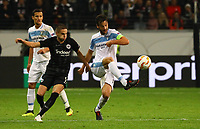 Marco Parolo (Lazio Rom) gegen Mijat Gacinovic (Eintracht Frankfurt) - 04.10.2018: Eintracht Frankfurt vs. Lazio Rom, UEFA Europa League 2. Spieltag, Commerzbank Arena, DISCLAIMER: DFL regulations prohibit any use of photographs as image sequences and/or quasi-video.