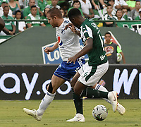 PALMIRA - COLOMBIA, 03-03-2019: Danny Rosero Valencia del Cali disputa el balón con Felipe Jaramillo de Millonarios durante partido por la fecha 8 de la Liga Águila I 2019 entre Deportivo Cali y Millonarios jugado en el estadio Deportivo Cali de la ciudad de Palmira. / Danny Rosero Valencia of Cali vies for the ball with Felipe Jaramillo of Millonarios during match for the date 8 as part Aguila League I 2019 between Deportivo Cali and Millonarios played at Deportivo Cali stadium in Palmira city.  Photo: VizzorImage / Gabriel Aponte / Staff