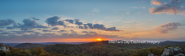 63895-14305 Sunset at Garden of the Gods Recreation Area, Shawnee National Forest, IL
