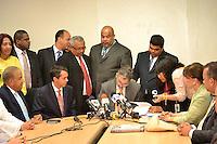 PRD Deposita Candidatura de Hipolito ante la JCE.Foto:Saturnino Vasquez/acento.com.do.Fecha:19/03/2012