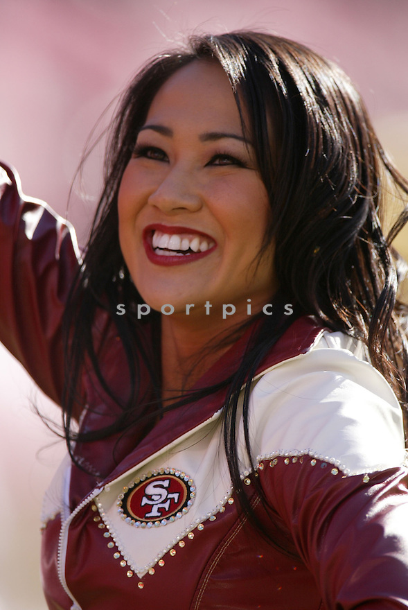 CHEERLEADER, of the San Francisco 49ers  in action during the 49ers game against the Minnesota Vikings on December 9, 2007 in San Francisco, California...VIKINGS win 27-7..SportPics