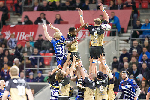 08.04.2016. AJ Bell Stadium, Salford, England. European Champions Cup. Sale versus Montpellier. Montpellier lock Thibaut Privat and Sale Sharks flanker David Seymour compete in the line out.