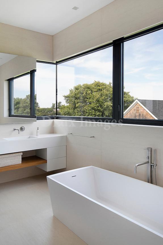 minimal contemporary bathroom