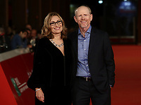 il regista statunitense Ron Howard (r) e la vedova del tenore Italiano Luciano Pavarotti posano  durante il red carpet per la presentazione del film 'Pavarotti' alla 14^ Festa del Cinema di Roma all'Aufditorium Parco della Musica di Roma, 18 ottobre 2019.<br /> US director Ron Howard (r) and Nicoletta Mantovani, the second wife of late Italian tenor Luciano Pavarotti, pose during the red carpet to present the movie 'Pavarotti' during the 14^ Rome Film Fest at Rome's Auditorium, on 18 october 2019.<br /> UPDATE IMAGES PRESS/Isabella Bonotto