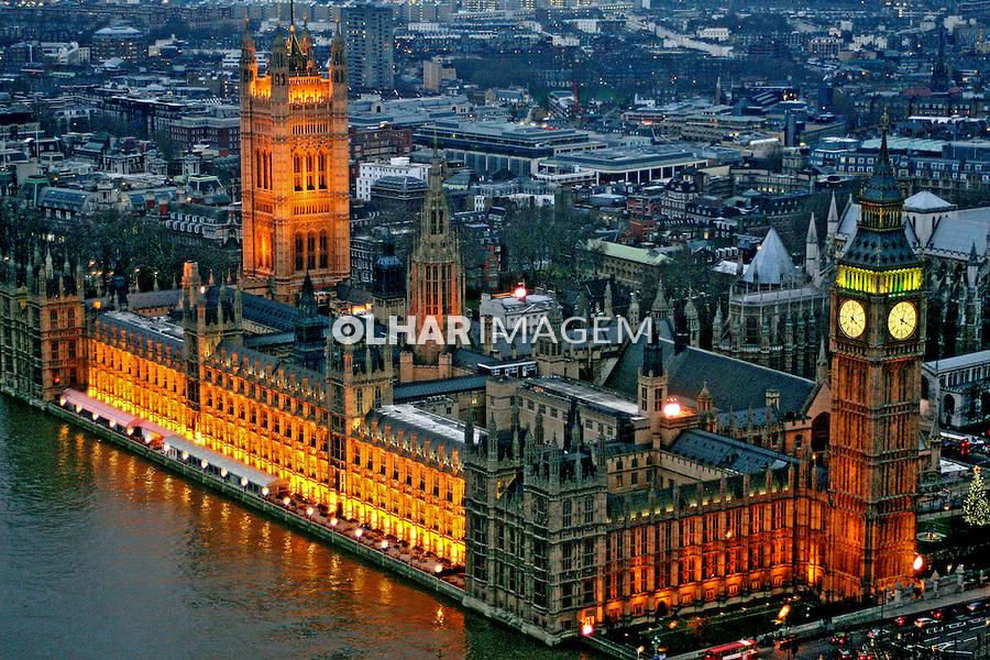 Prédio do Parlamento ingles e Big Ben. Londres. Inglaterra. 2007. Foto de Marcio Nel Cimatti.