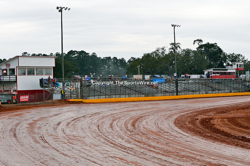 Feb 06, 2014; 6:14:17 PM; Waynesville, GA., USA; The Lucas Oil Late Model Dirt Series running The Georgia Boot Super Bowl of Racing at Golden Isles Speedway.  Mandatory Credit: (thesportswire.net)