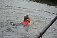 FIERLJEPPEN: POLSBROEKERDAM: 24-08-2013, NK Fierljeppen, Jaco de Groot sprong tweemaal 'nat' in de finale, ©foto Martin de Jong