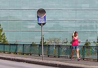 CURITIBA, PR, 04 DE DEZEMBRO 2013 – CLIMA TEMPO - CURITIBA - Termômetro marcou  máxima de 32°C, no inicio da tarde desta quarta-feira (04),centro de Curitiba.  (FOTO: PAULO LISBOA  / BRAZIL PHOTO PRESS)