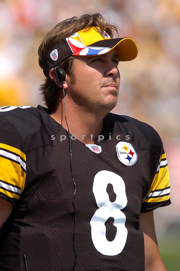 Ben Roethlisberger, of the Pittsburgh Steelers, during thier game against the Tennessee Titans on September 11, 2005....Steeler win 34-7..Chris Bernacchi / SportPics.Tommy Maddox, of the Pittsburgh Steelers, during thier game against the Tennessee Titans on September 11, 2005....Steeler win 34-7..Chris Bernacchi / SportPics