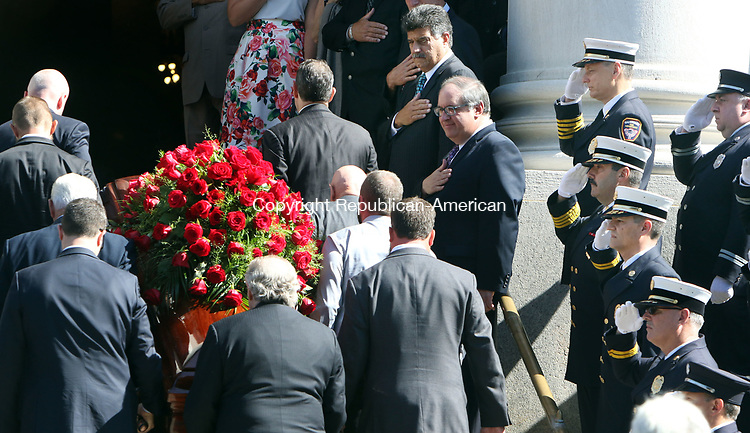 WATERBURY CT. 17 August 2017-081717SV02-The casket of former Mayor Edward &quot;Mike&quot; D. Bergin Jr. enters the Basilica of the Immaculate Conception during his funeral in Waterbury Thursday. Former mayors; Joseph Santopietro and Michael Jarjura at right.  <br /> Steven Valenti Republican-American