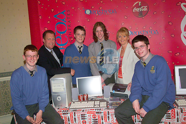 Winners of the LMFM Drogheda Concentrates School Quiz Fnals De la Salle Dundalk Left to right, Noel Rodgers, Michael crawley LMFM, Kevin Byrne, Patrick English, Maria Huston Drogheda concentrates and Padraic Rogan..Photo Fran Caffrey/Newsfile.ie..This picture has been sent to you by:.Newsfile Ltd,.3 The View,.Millmount Abbey,.Drogheda,.Co Meath..Ireland..Tel: +353-41-9871240.Fax: +353-41-9871260.GSM: +353-86-2500958.ISDN: +353-41-9871010.IP: 193.120.102.198.www.newsfile.ie..email: pictures@newsfile.ie..This picture has been sent by Fran Caffrey.francaffrey@newsfile.ie