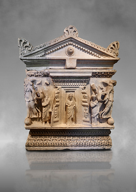 End panel of a Roman relief garland  sculpted sarcophagus, style typical of Pamphylia, 3rd Century AD, Konya Archaeological Museum, Turkey.