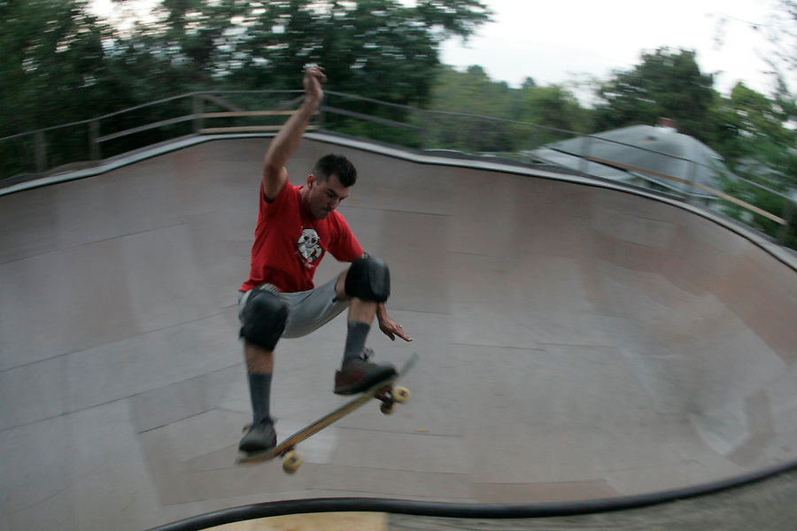 Skating the Berry Bowl 9/18/05 Photo/Andrew Shurtleff
