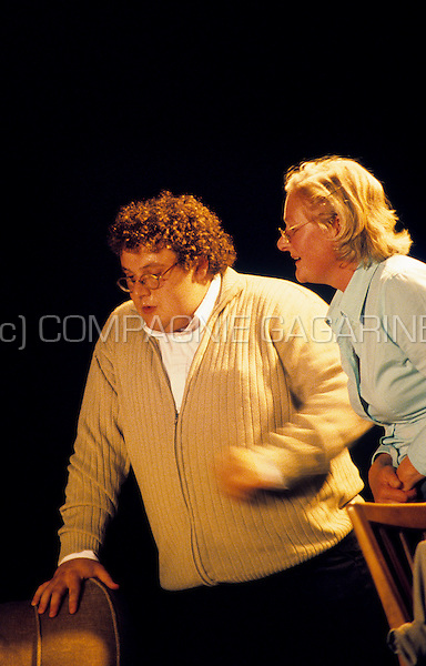 "Theatre company Richten playing ""de Woonkamer"" at the Spots Op West theatre festival in Watou (Belgium, 08/07/2007)"