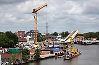 Nederland - Zaandam - 2020 .  Nieuwbouw aan de Zaan bij de Bernhardbrug.  De Industrieel. Foto ANP / Hollandse Hoogte / Berlinda van Dam