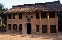 Afrique/Afrique de l'Ouest/Sénégal/Parc National de Basse-Casamance/Mlomp : La case à étage de Basile