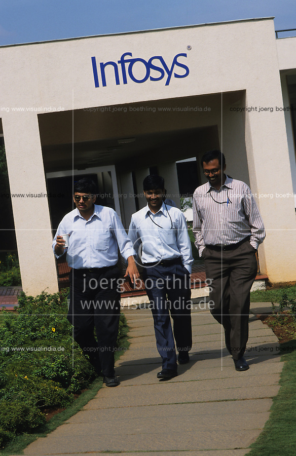 INDIA Bangalore, Software company Infosys in the Electronics City, the indian silicon valley / INDIEN Karnataka Bangalore, Campus der Software Firma Infosys in der electronics city