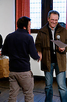 Remise des prix, en présence du Maire de la ville, Jean-Jacques de Peretti, par Alain Pouquet, president du Syndicat professionnel de la noix et du cerneau de Noix du Périgord.<br /> Premier prix en 2014, le Moulin de Maneyrol à Pazaillac, Dordogne