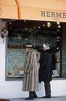 Europe/Suisse/Saanenland/Gstaad : Devant la boutique Hermés