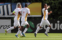 BOGOTA -COLOMBIA, 14-FEBRERO-2015. Oscar Rodas de Aguilas de Pereira celebra su gol contra Equidad   durante la cuarta fecha de La Liga Aguila jugado en el estadio Metropolitano de Techo  of  Bogota . / Oscar Rodas of Aguilas de Pereira celebrates his goal against  of Aguilas de Pereira  during the fourth  round of La Liga Aguila played at the Metropolitano de Techo  stadium in Bogota . Photo / VizzorImage / Felipe Caicedo  / Staff