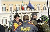 Roma, 12 Dicembre 2012.Piazza Montecitorio.Protesta dei benzinai durante lo scipero